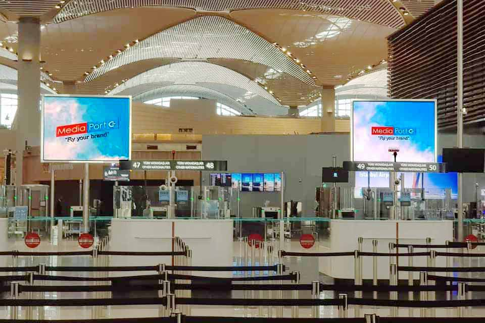 indoor_4_samsung_istanbul_airport_led_screen_totem